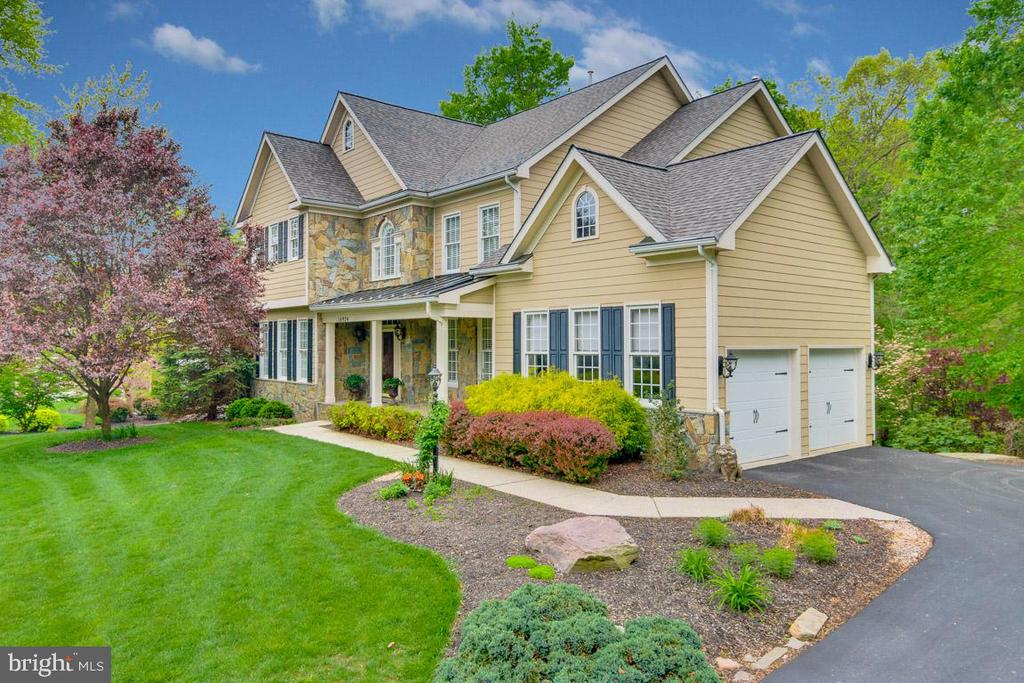 This move-in ready home is just waiting for you! - 16924 OLD SAWMILL RD, WOODBINE