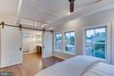 Master suite - 5100 26TH RD N, ARLINGTON