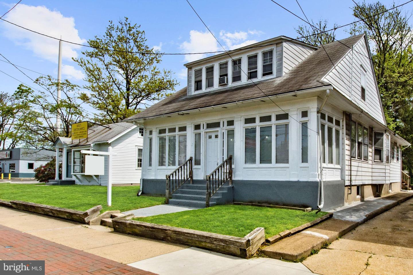 Duplex for Sale at Pennsauken, New Jersey 08110 United States