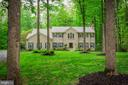 Welcome to 8512 Cathedral Forest Drive! - 8512 CATHEDRAL FOREST DR, FAIRFAX STATION