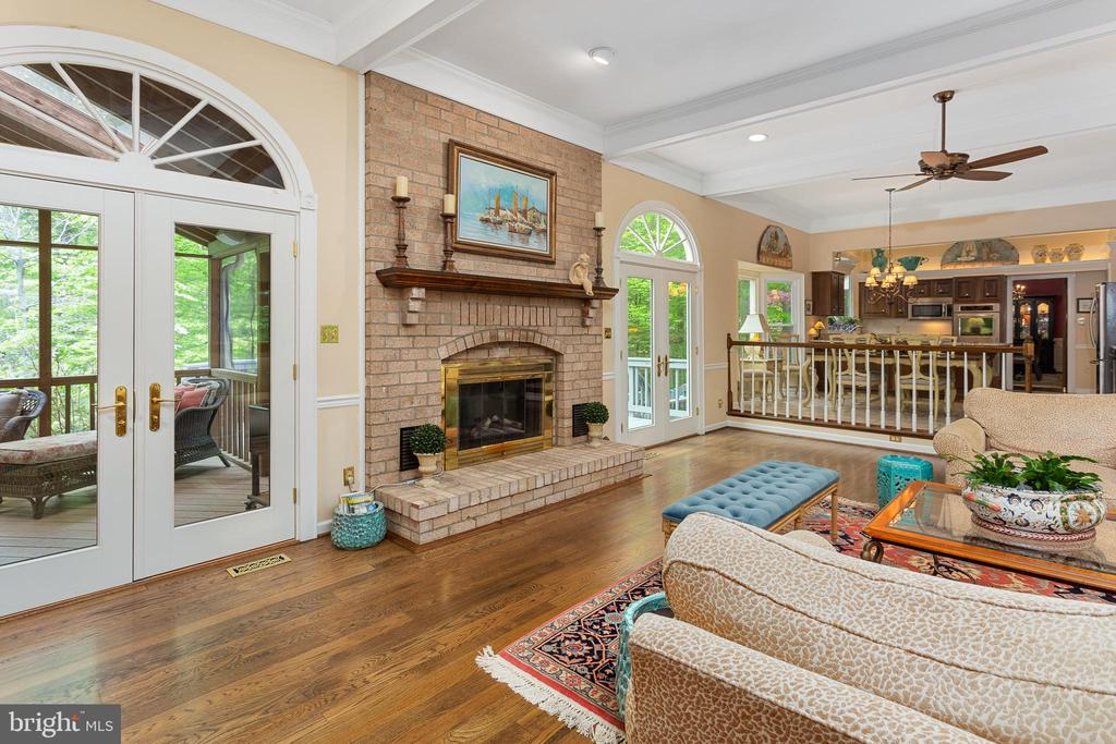 Family Room with Palladian French Doors to Porch - 8512 CATHEDRAL FOREST DR, FAIRFAX STATION