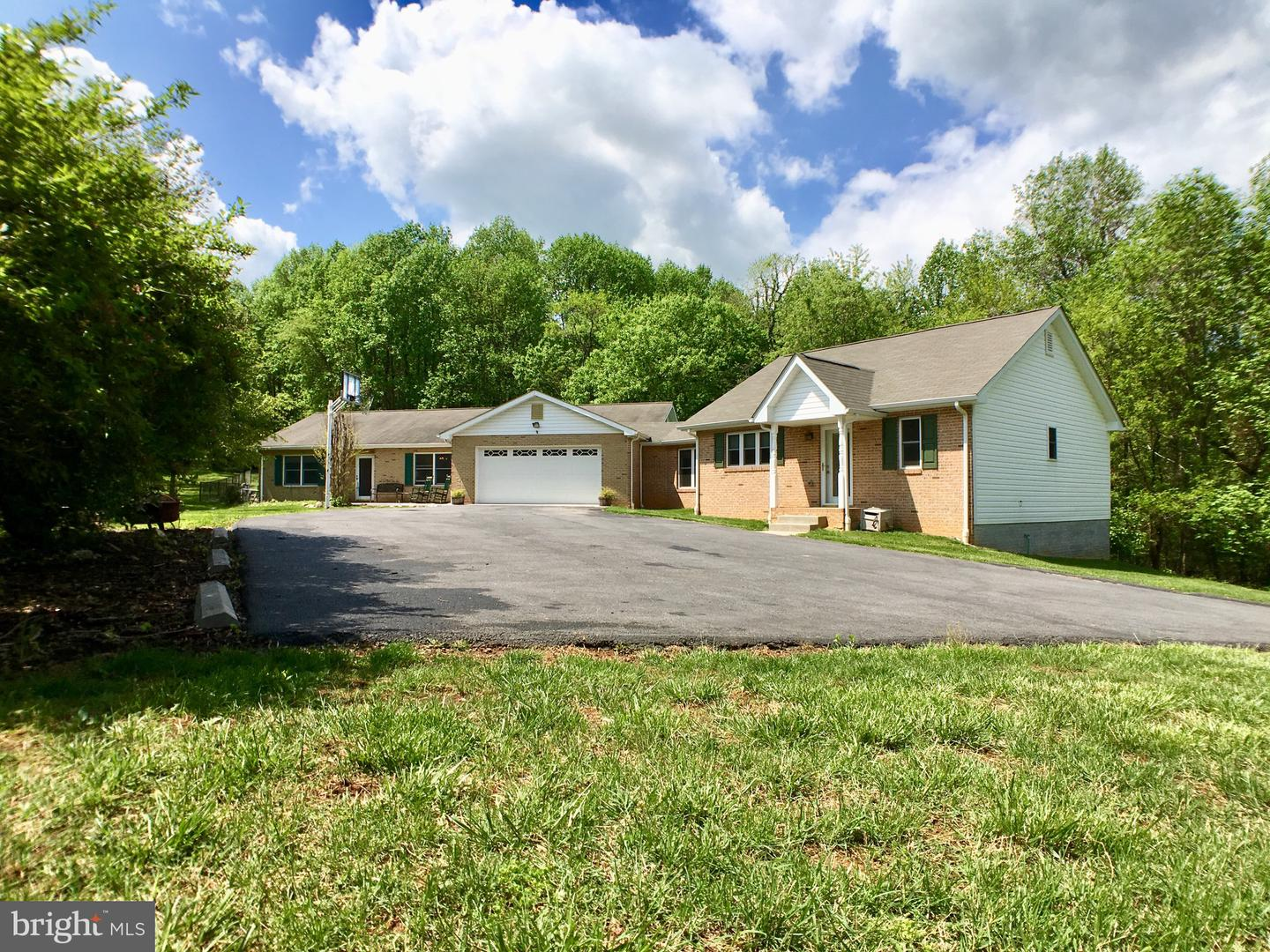 Farm for Sale at 232 Stoney Bottom Rd Front Royal, Virginia 22630 United States