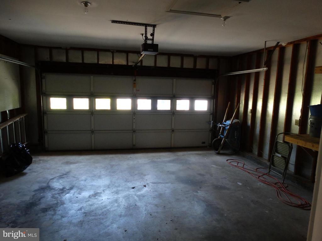 Garage - 11812 BUCHANAN CT, FREDERICKSBURG