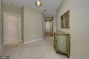 Large open foyer space - 4310-T CANNON RIDGE CT #92, FAIRFAX