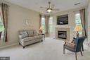 Light filled living room with windows on 2 sides - 4310-T CANNON RIDGE CT #92, FAIRFAX