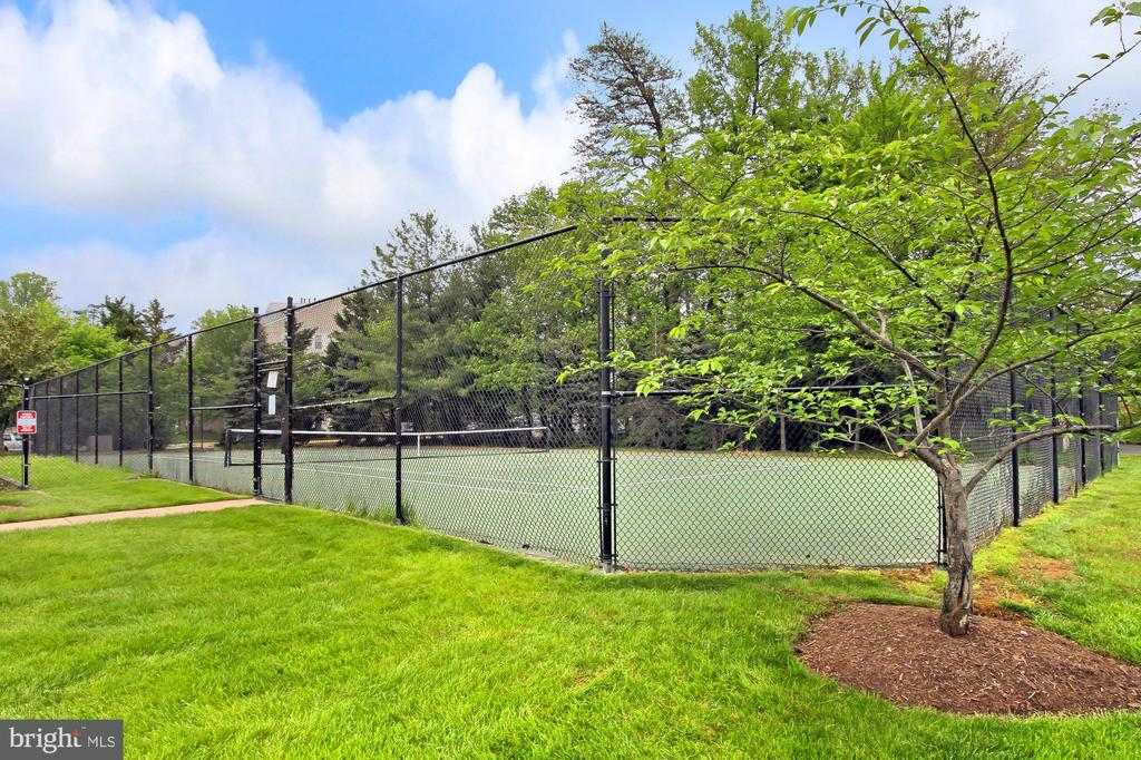 Tennis Courts Near Fitness Center - 4310-T CANNON RIDGE CT #92, FAIRFAX