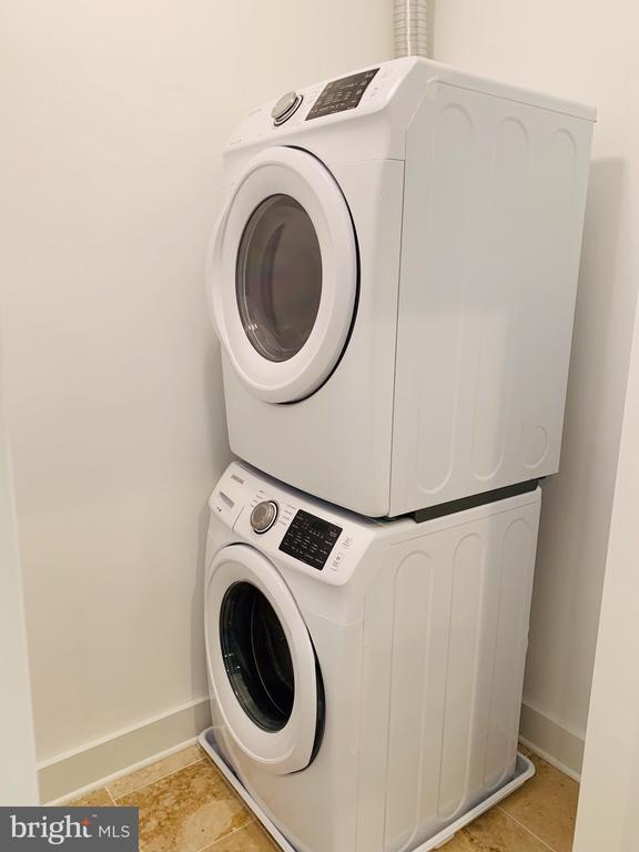 Upper Level Laundry - 1812 N BARTON ST, ARLINGTON