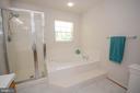 Separate Shower & Tub - 318 OAKCREST MANOR DR NE, LEESBURG