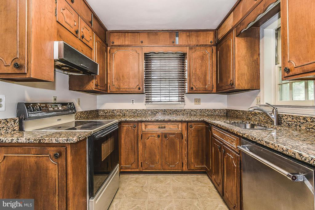 Kitchen - 6942 28TH ST N, ARLINGTON