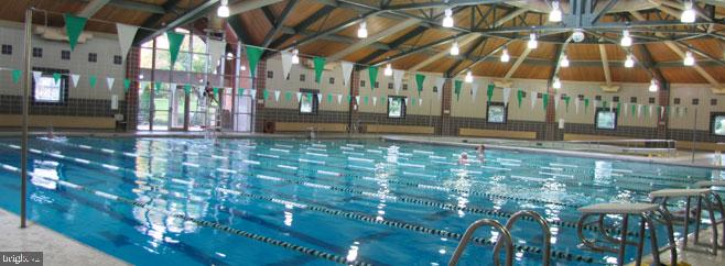 Ida Lee Park - Aquatic Center - 318 OAKCREST MANOR DR NE, LEESBURG