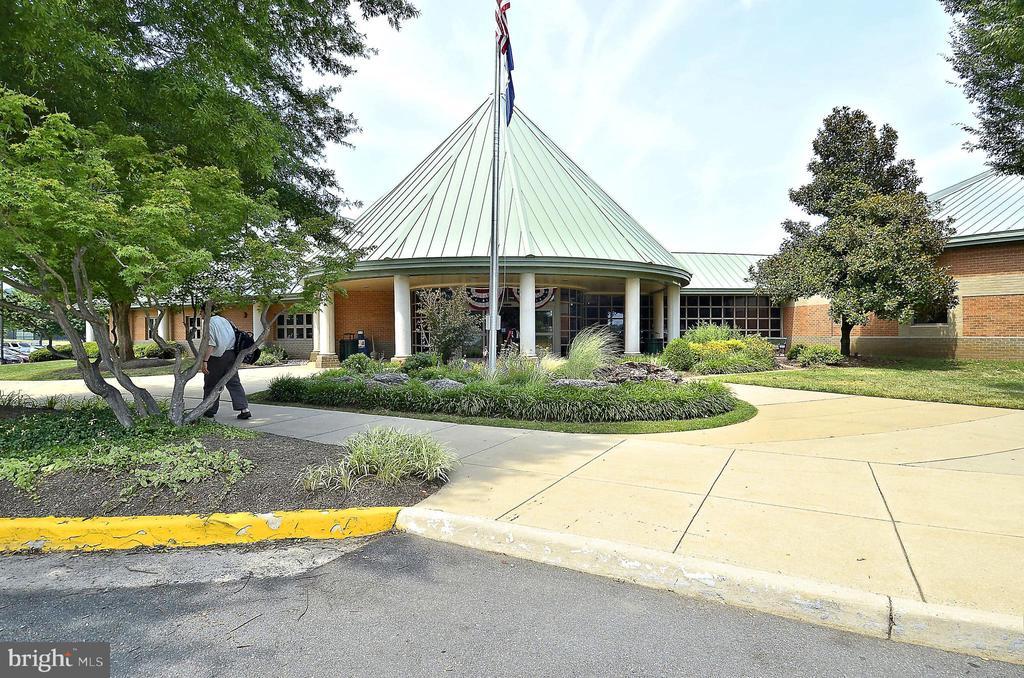 Ida Lee Recreation Center - 42324 BIG SPRINGS CT, LEESBURG
