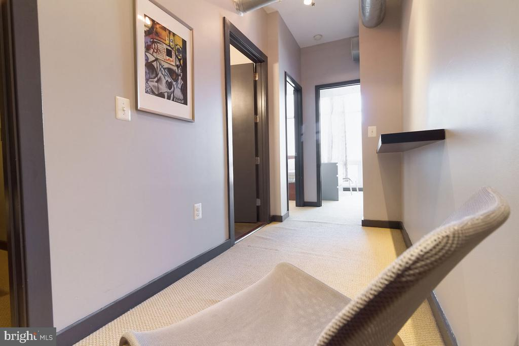 Penthouse: second floor hallway - 1123 11TH ST NW, WASHINGTON