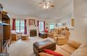 Open light filled family/living space - 85 TOWN AND COUNTRY DR, FREDERICKSBURG
