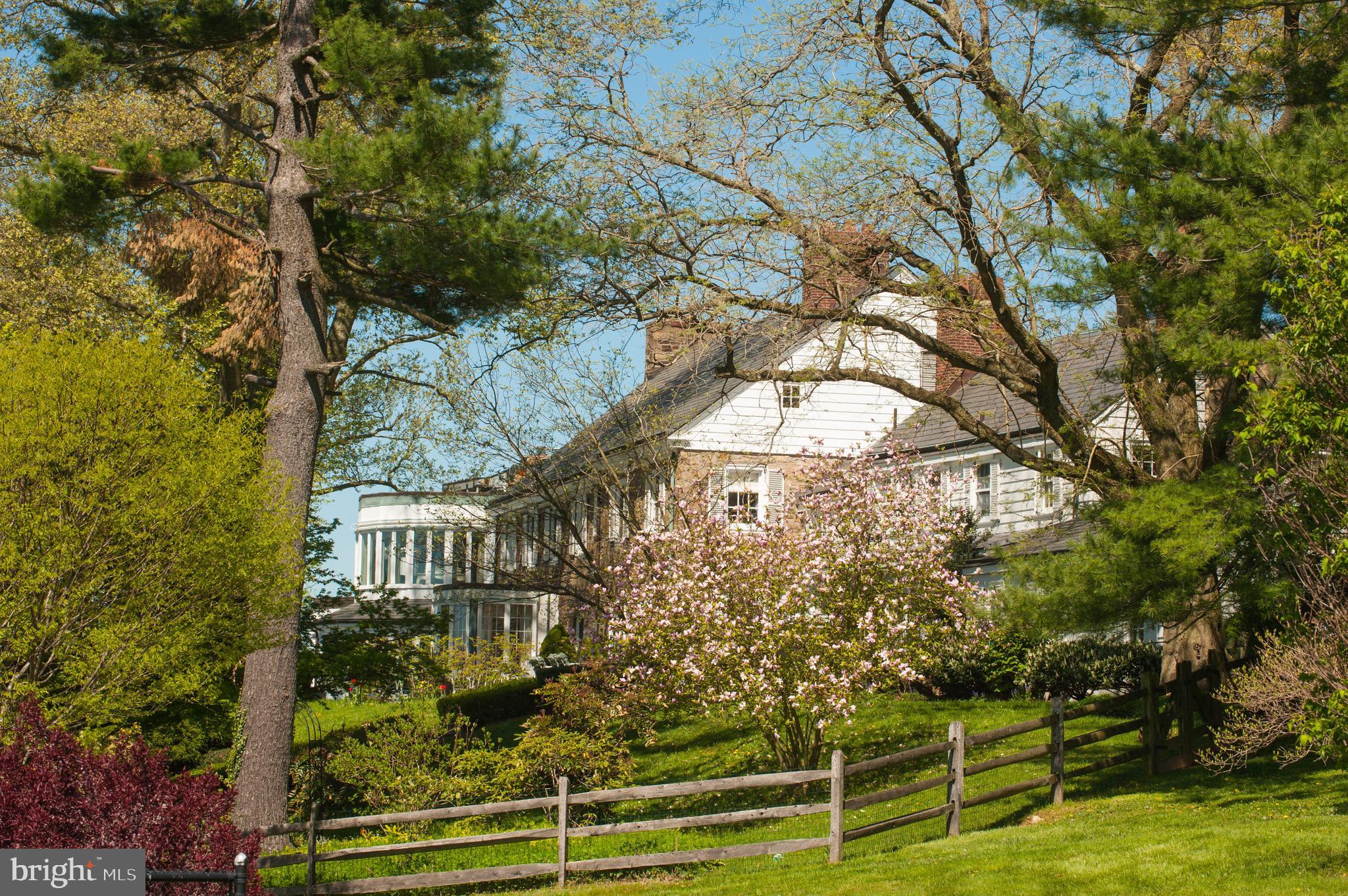 Washington Fine Properties: 912 PROVIDENCE RD, NEWTOWN