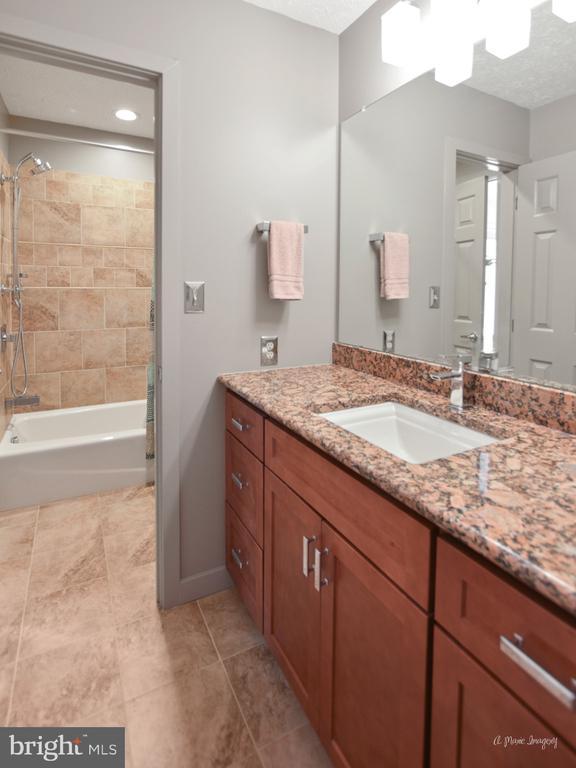Remodeled Hall Bath - 3613 WESTCHESTER CT, MIDDLETOWN