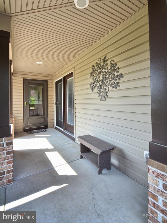 Covered Breezeway - 3613 WESTCHESTER CT, MIDDLETOWN