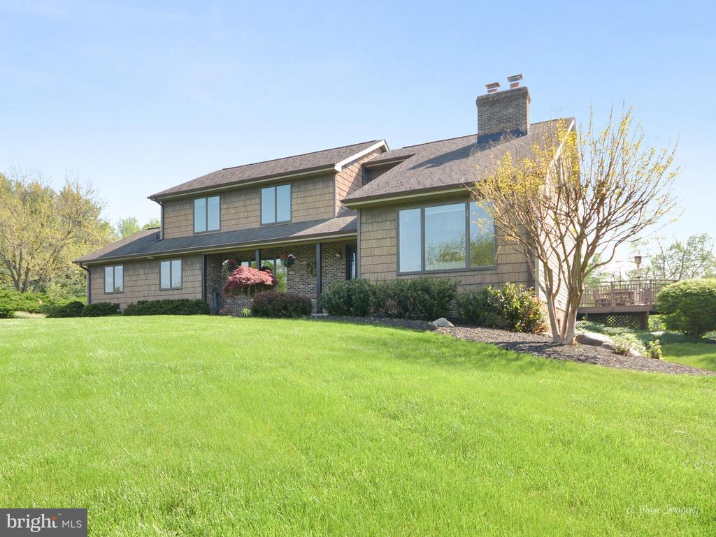 Classic Contemporary Design - 3613 WESTCHESTER CT, MIDDLETOWN
