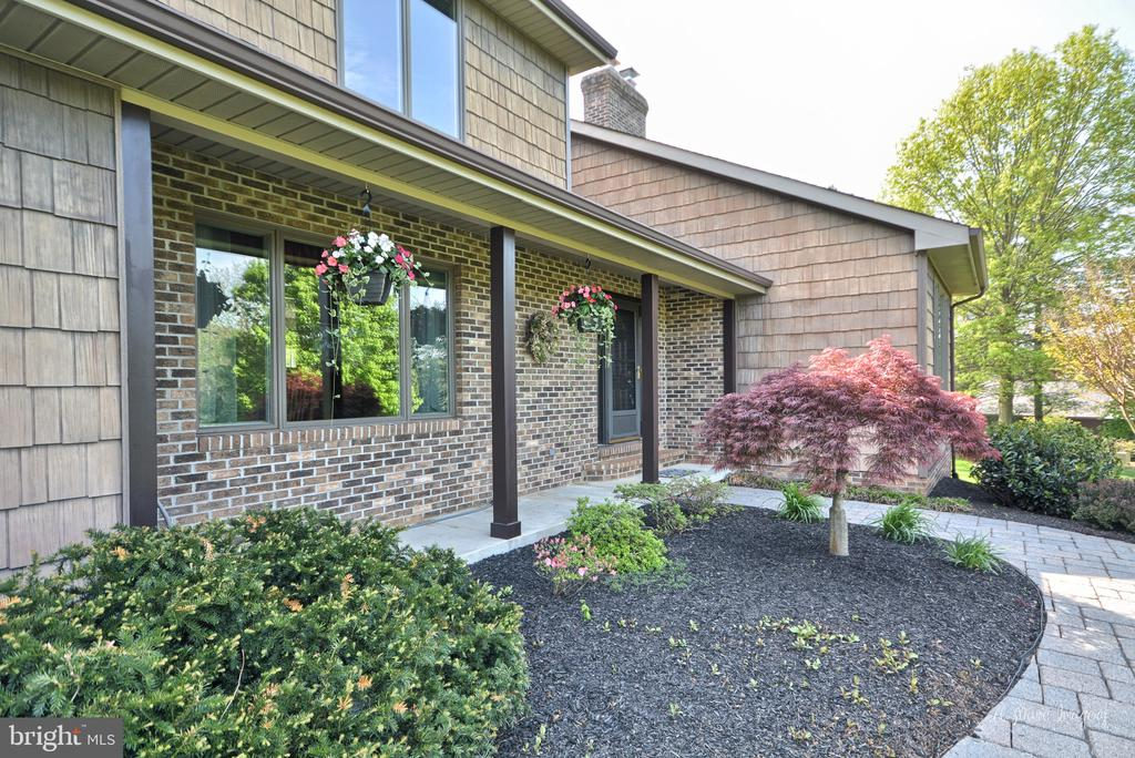 Beautiful Paver walkway to homee - 3613 WESTCHESTER CT, MIDDLETOWN