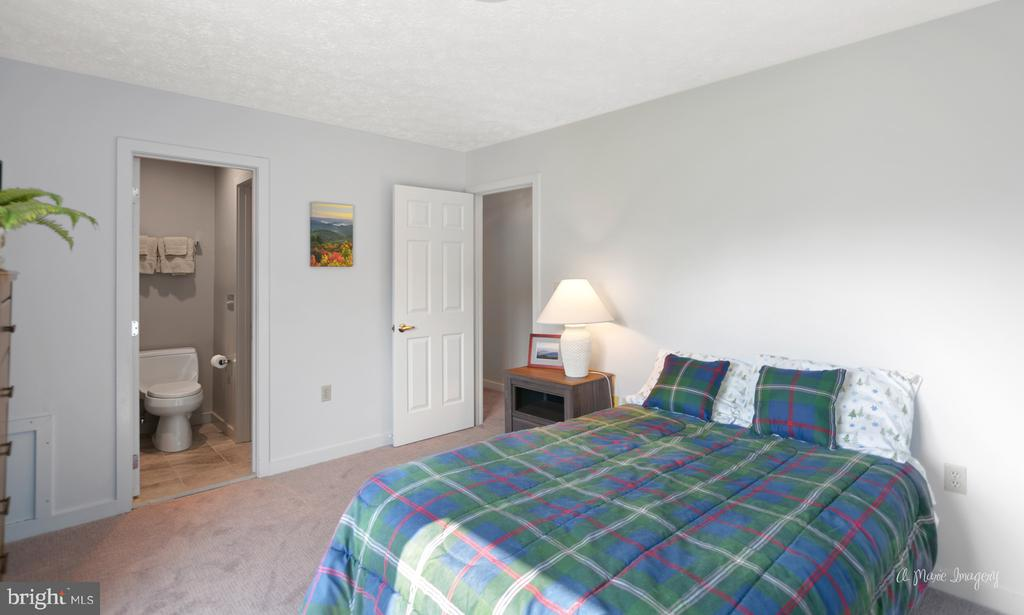 Secondary Bedroom with Bath Entry - 3613 WESTCHESTER CT, MIDDLETOWN