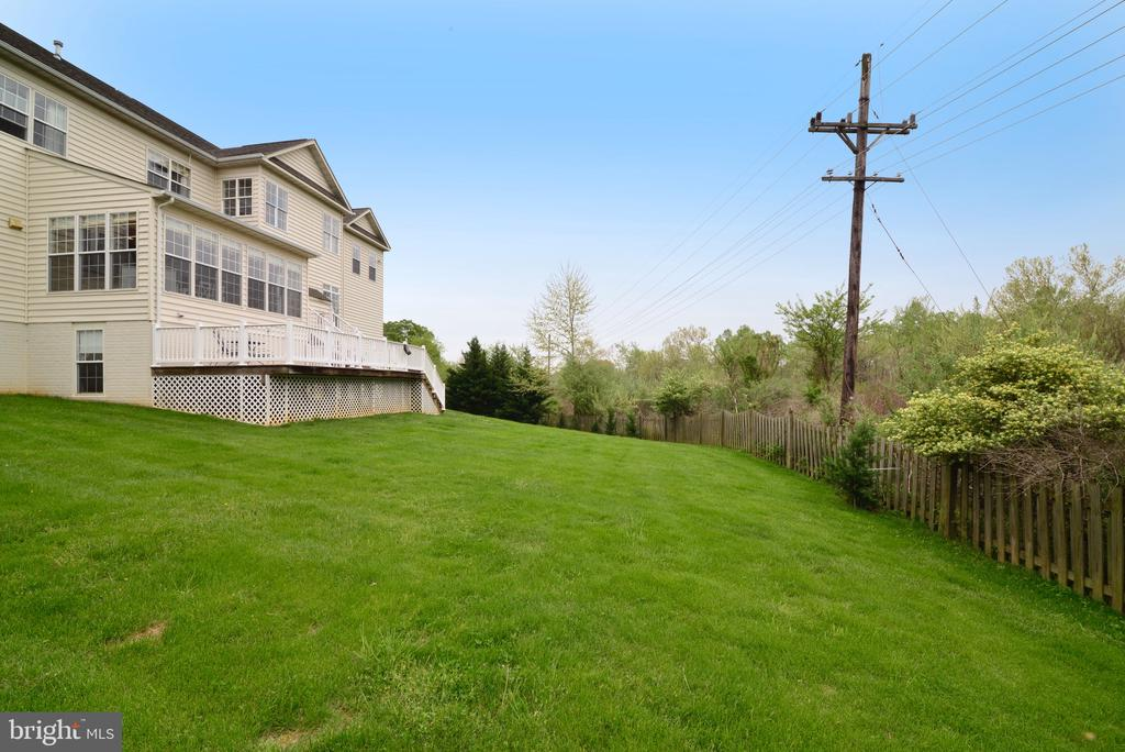 Backs up to private railroad-Own piece of history! - 1517 BROOKDALE CT, WINCHESTER