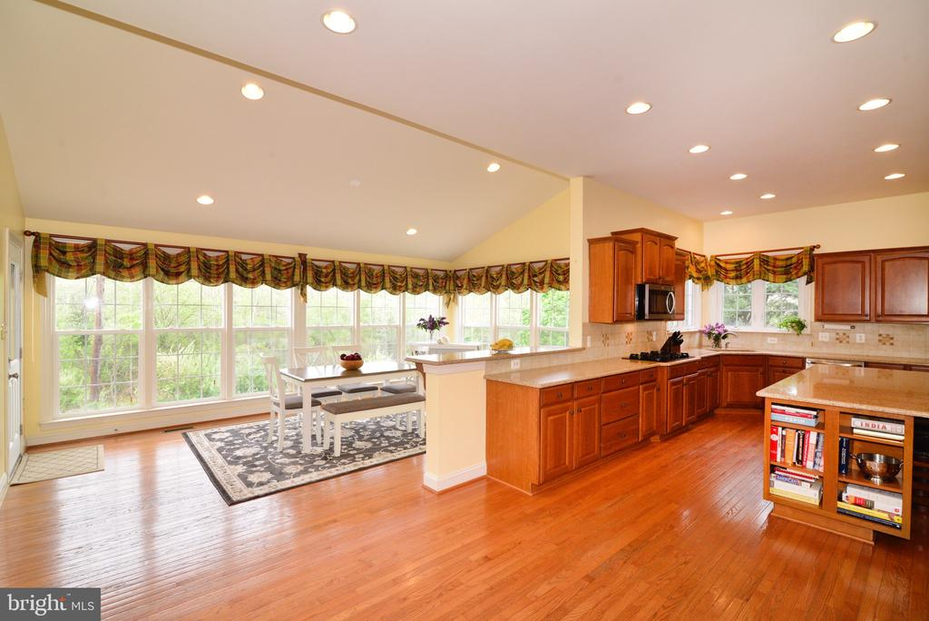 Sun room to die for! - 1517 BROOKDALE CT, WINCHESTER