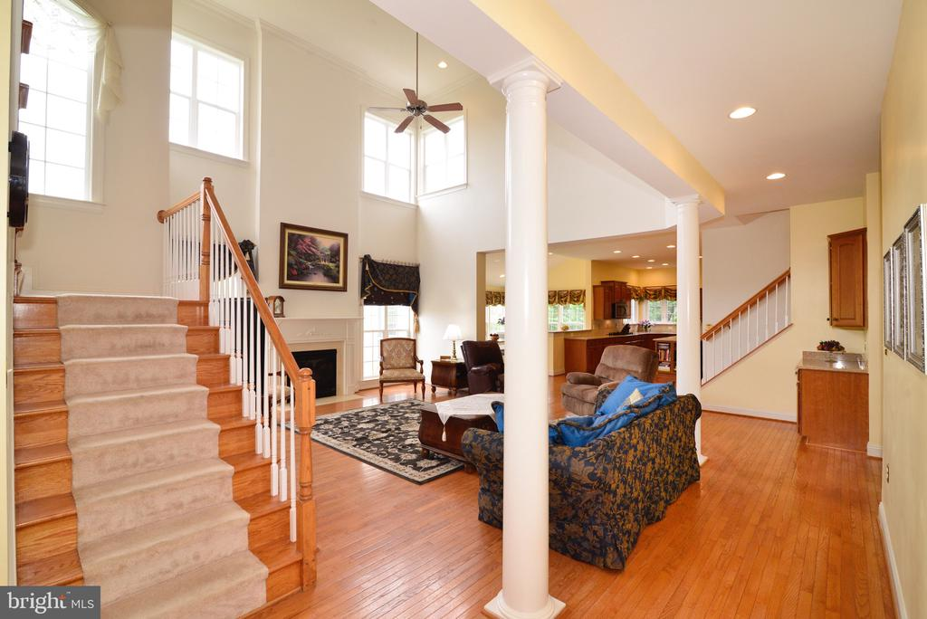 Double Staircase :) - 1517 BROOKDALE CT, WINCHESTER