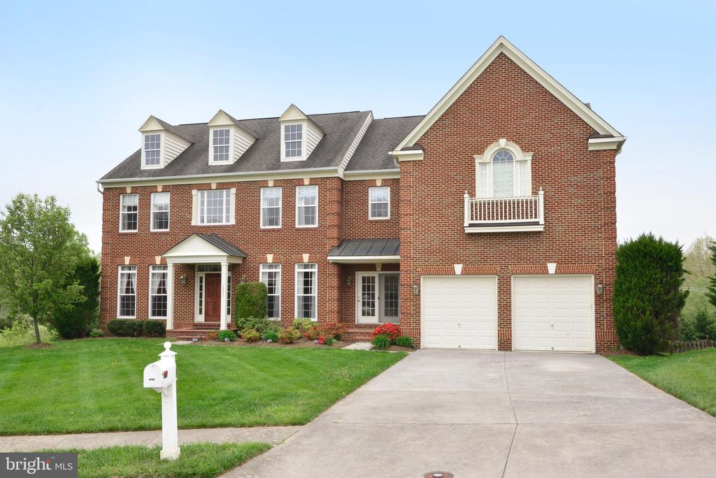 3 Sided Brick Home in Morlyn Hills! - 1517 BROOKDALE CT, WINCHESTER