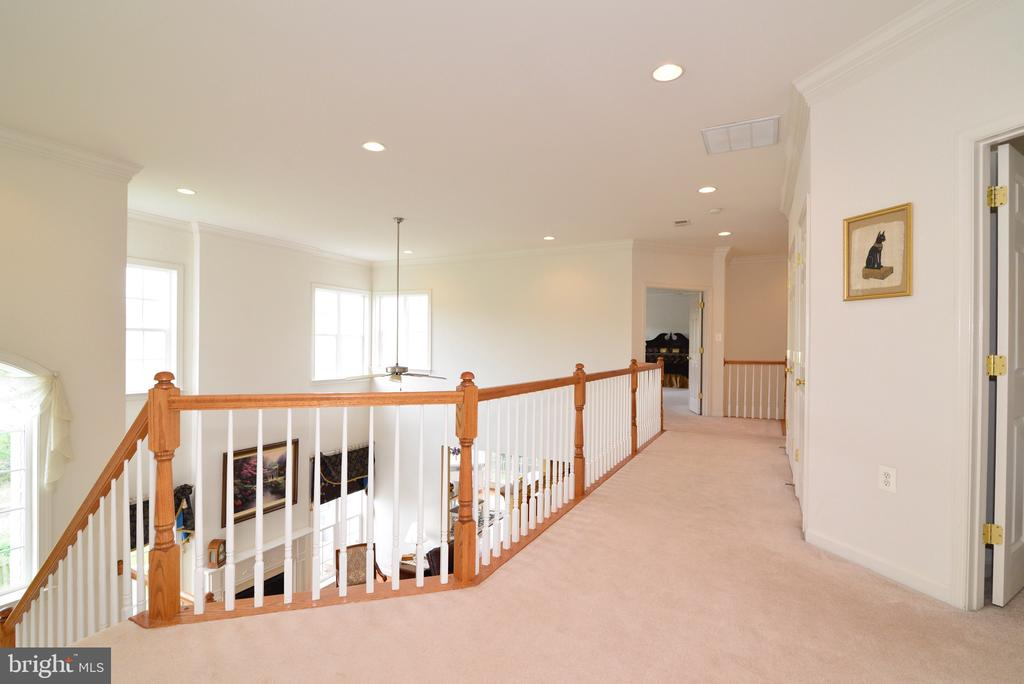 Open staircase. - 1517 BROOKDALE CT, WINCHESTER