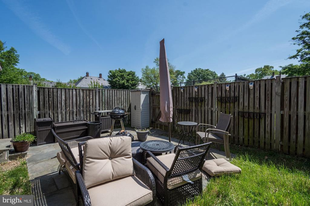 Beautiful patio - 4317 36TH ST S #A2, ARLINGTON