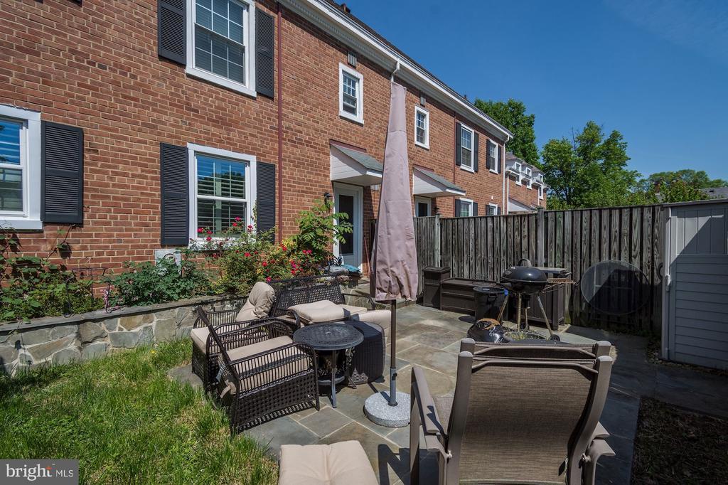 Gorgeous patio - 4317 36TH ST S #A2, ARLINGTON