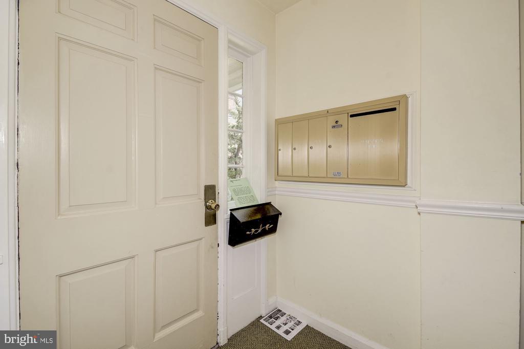 Foyer - 4317 36TH ST S #A2, ARLINGTON