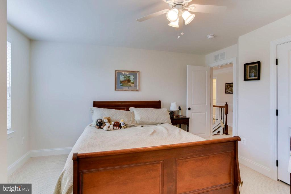 Bedroom #4 w/ensuite - 42212 MADTURKEY RUN PL, CHANTILLY