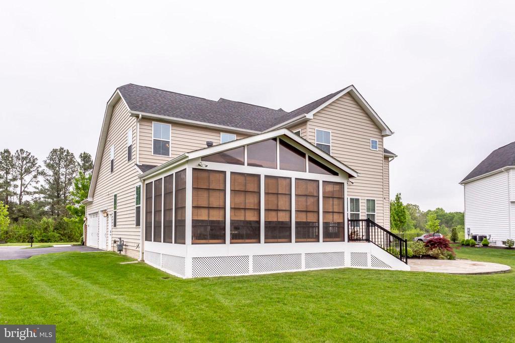 Gorgeous, flat back yard! - 42212 MADTURKEY RUN PL, CHANTILLY