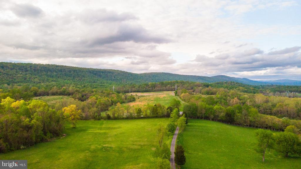 Sweeping Scenic Vistas and Mountain Views! - 36585 SAWMILL LN, PURCELLVILLE