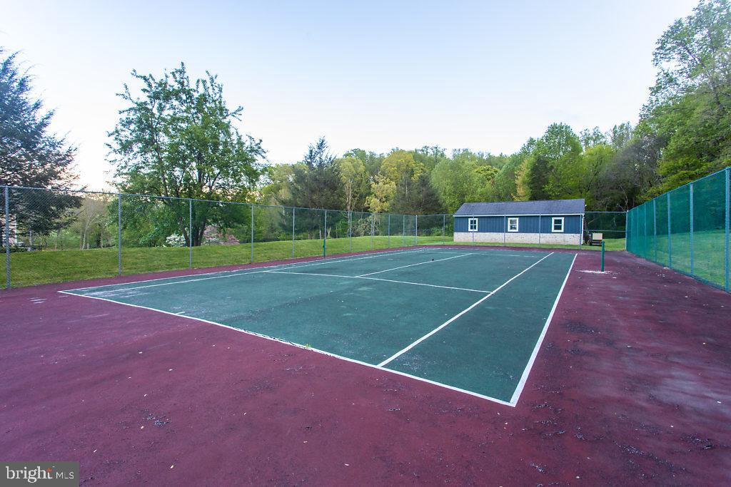 Tennis, Two Barns with 5 Garage Bays - 36585 SAWMILL LN, PURCELLVILLE