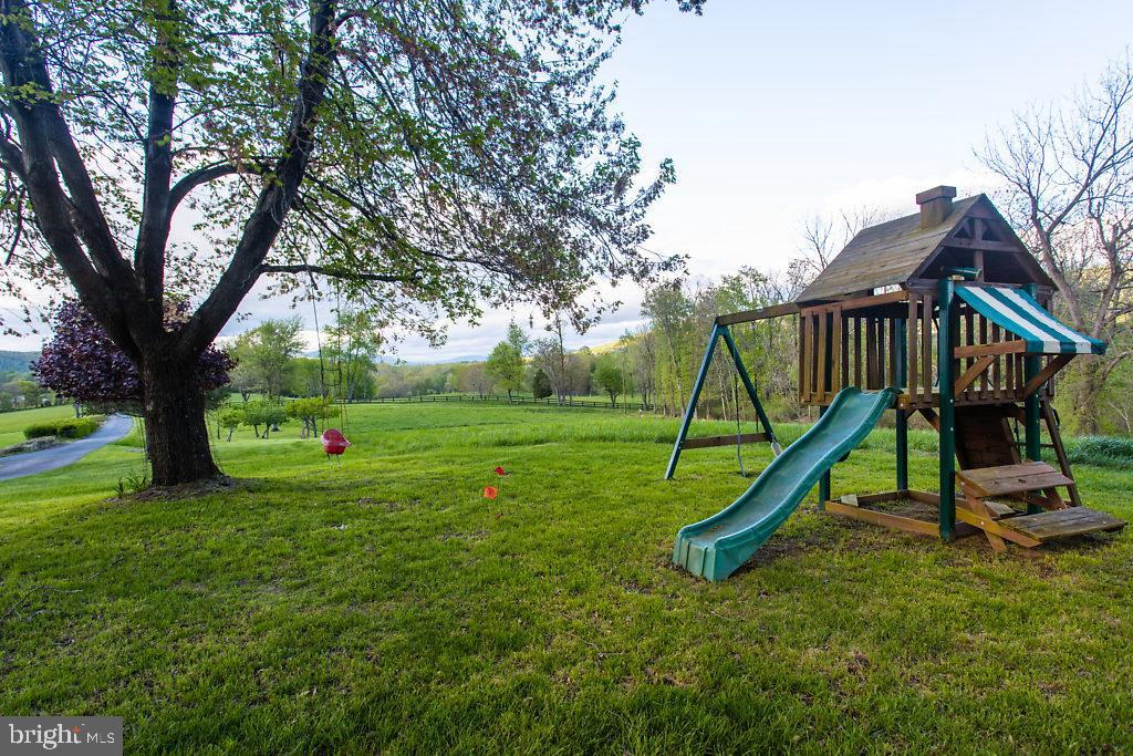 The Perfect For a Multitude of Outdoor Activities! - 36585 SAWMILL LN, PURCELLVILLE