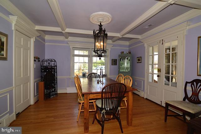 ELABORATE MOLDING MARKS THE DINING ROOM - 604 W MARKET ST, LEESBURG