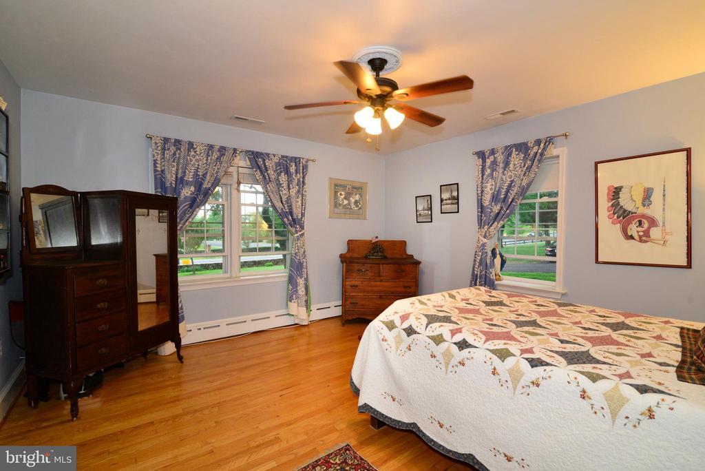 BEDROOM #2 - 604 W MARKET ST, LEESBURG