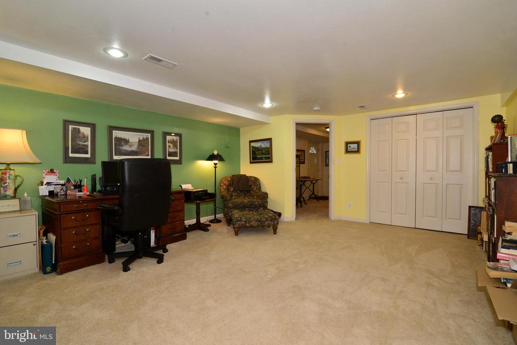 OFFICE/IN-LAW SUITE/AU PAIRE DIGS - 604 W MARKET ST, LEESBURG