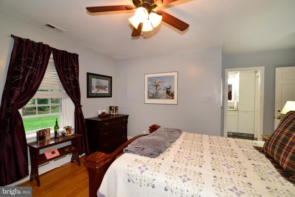 MASTER BEDROOM - 604 W MARKET ST, LEESBURG