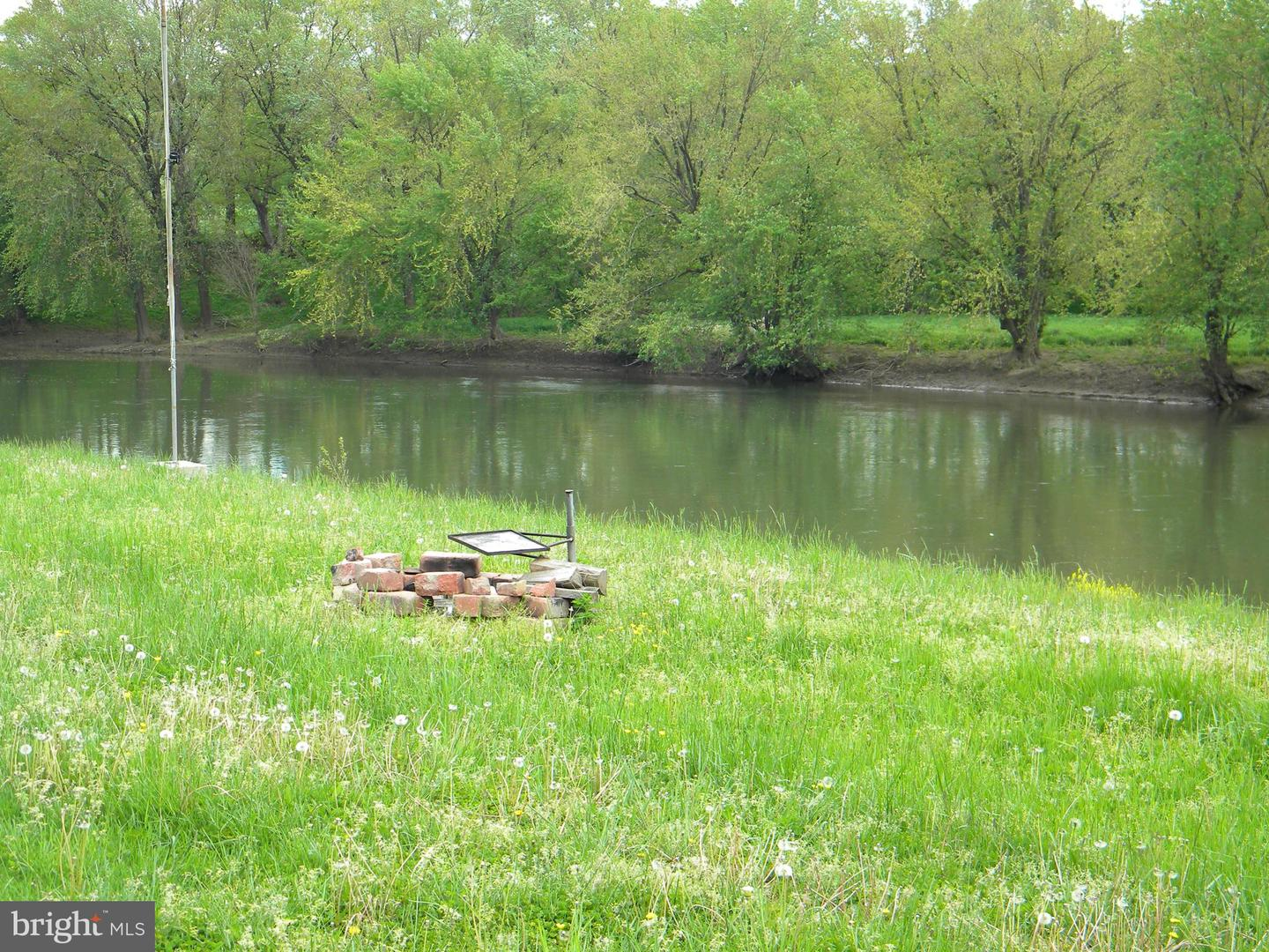 Land for Sale at Clarence Taylor Road Springfield, West Virginia 26763 United States