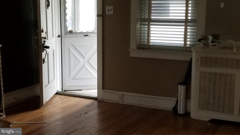 Single Family Homes для того Продажа на Woodlynne, Нью-Джерси 08107 Соединенные Штаты