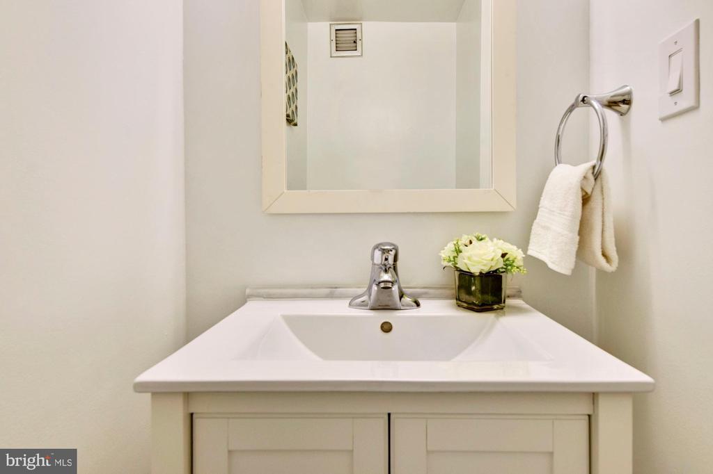 Powder room fully renovated, new vanity, new floor - 2801 NEW MEXICO AVE NW #712, WASHINGTON