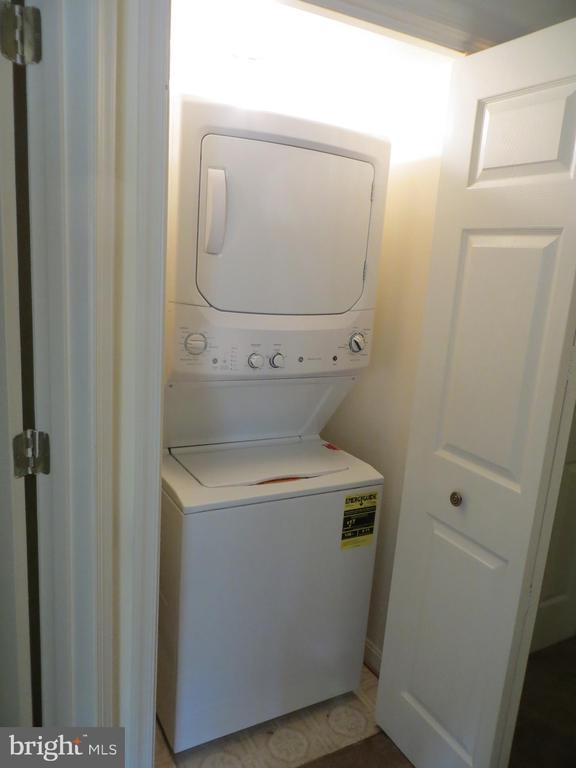 Stackable Laundry closet - 4021 LAKEVIEW PKWY, LOCUST GROVE