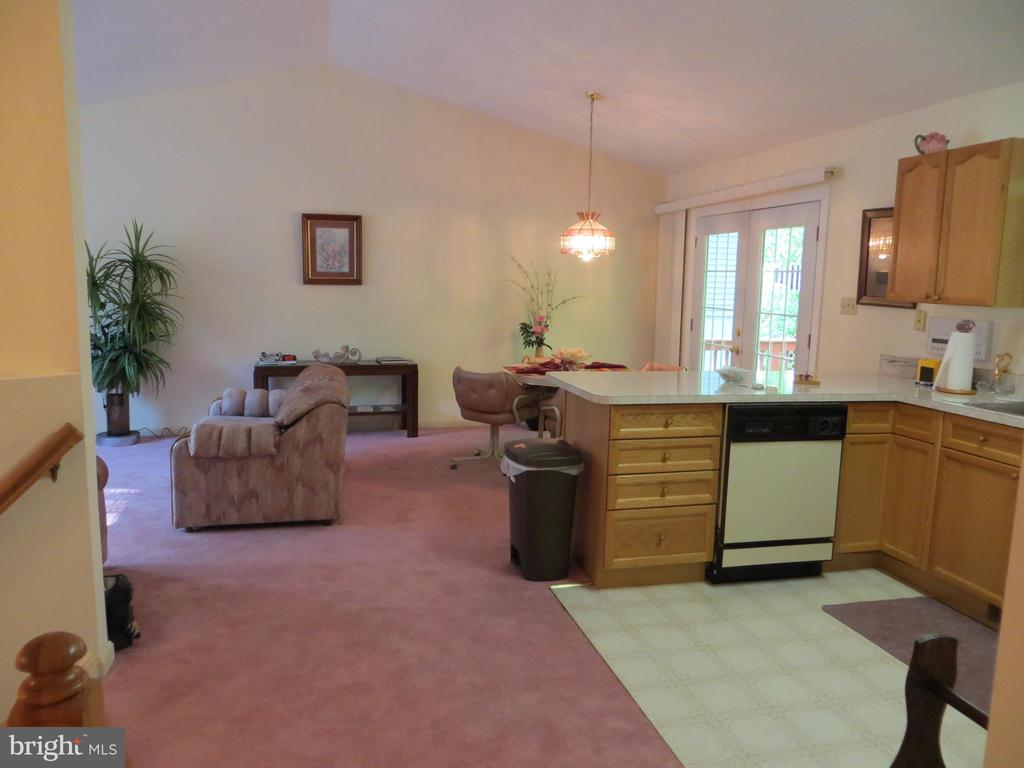 View from Master thru hall to great room - 4021 LAKEVIEW PKWY, LOCUST GROVE