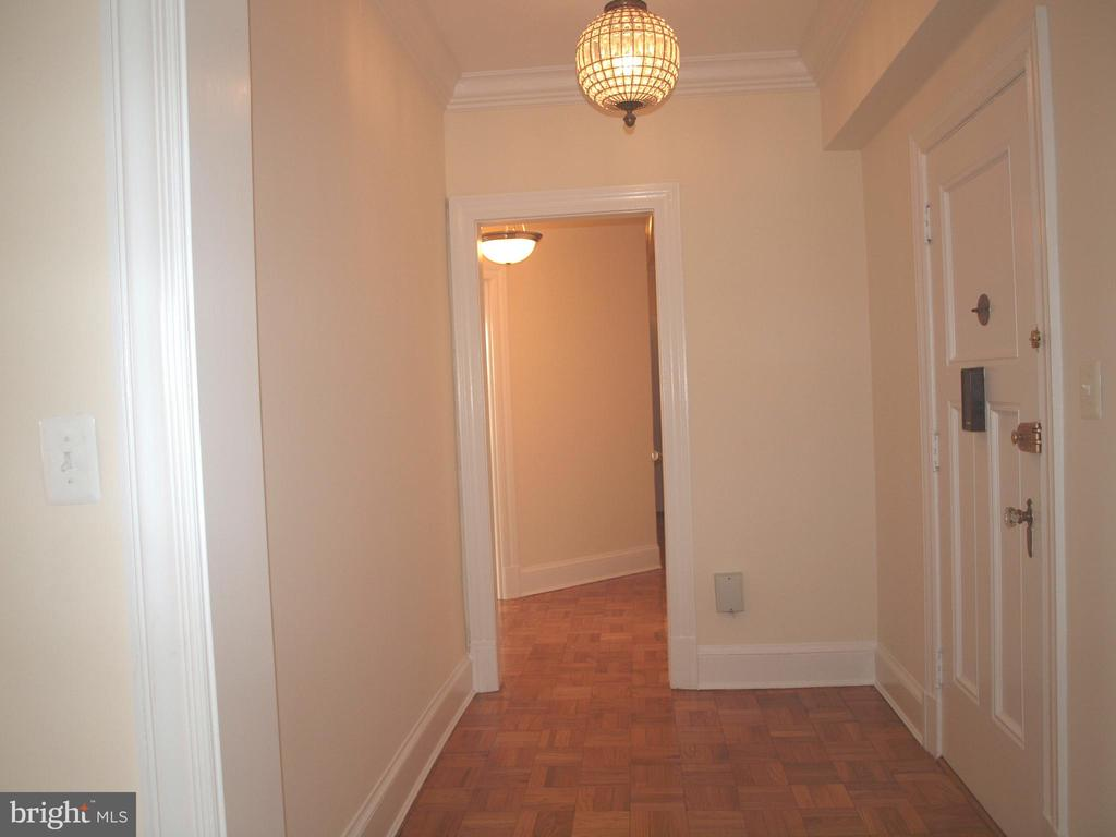 Apartment entrance - 4000 CATHEDRAL AVE NW #806B, WASHINGTON