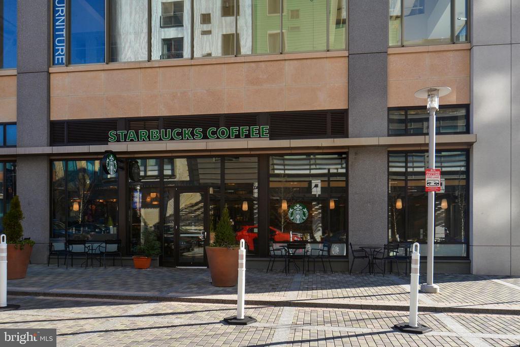 Starbucks - 5802 NICHOLSON LN #2-L02, ROCKVILLE