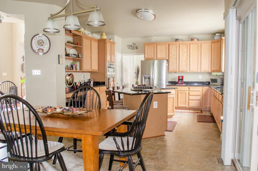 Another full kitchen view - 1808 GREYSENS FERRY CT, POINT OF ROCKS