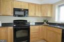 Updated appliances - 5802 NICHOLSON LN #2-L02, ROCKVILLE