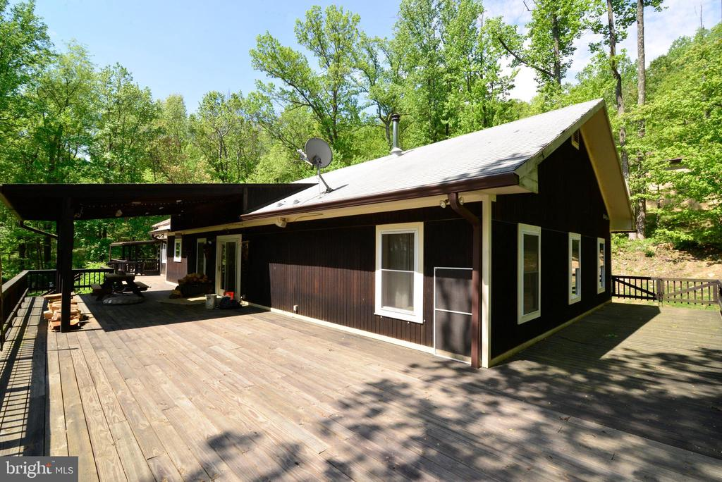 BUILT FOR A  TRUCK WITH FIREWOOD TO DRIVE ON IT - 37730 LONG LN, LOVETTSVILLE